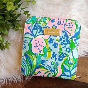 Lilly Pulitzer Zip up Tote